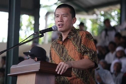Ceramah Ustad Felix Siauw